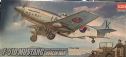 "Academy 1/72 F-51D Mustang with Ground Vehicle ""Korean War"""